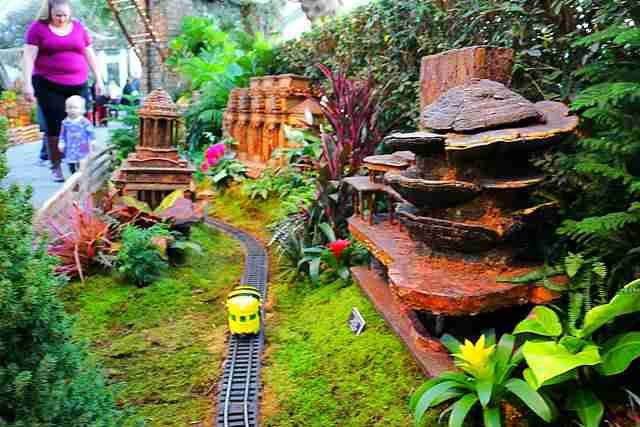 NYBG Holiday Train Show (27)