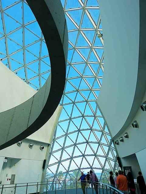 Salvador Dalí Museum (14)