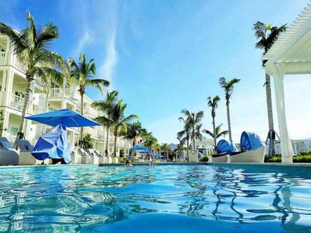 キーウエストのおすすめホテル 最新リゾート Oceans Edge Key West ...