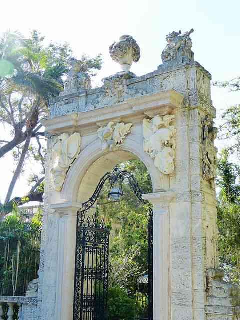 Vizcaya Museum and Gardens (8)