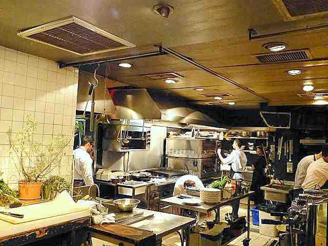 tzfon-abraxas-tel-aviv-open-kitchen