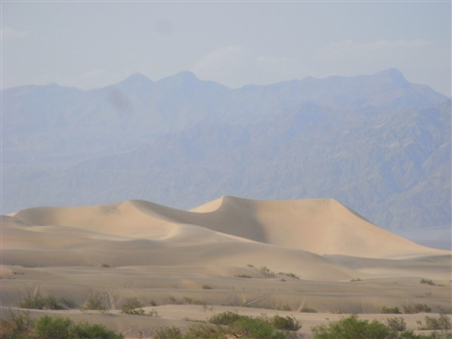 death-valley-sand-dune