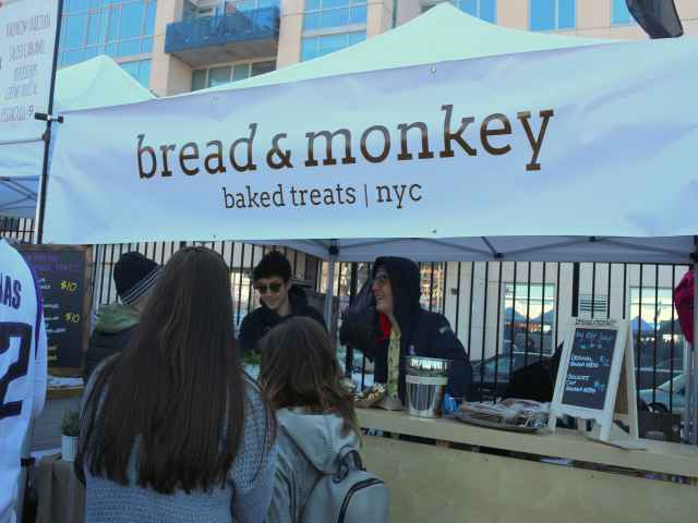 Bread & Monkey