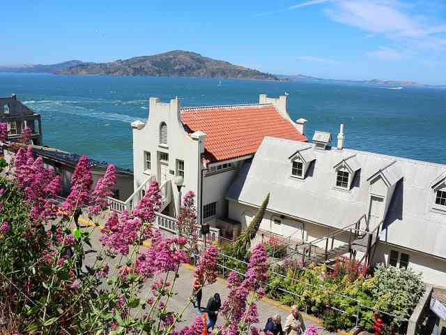 Alcatraz (28)