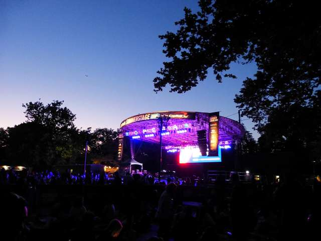 Met Opera in Central Park (1)