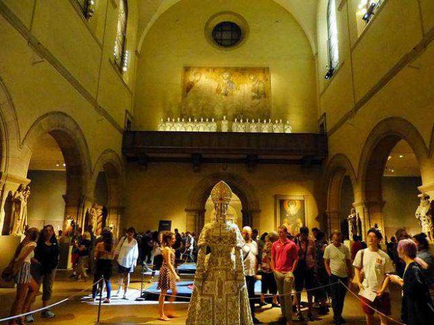 MET Catholic Fashion (5)