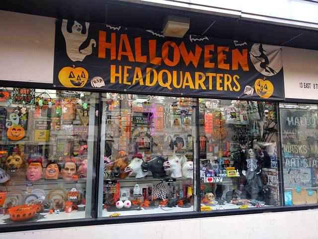Halloween Headquarters (1)