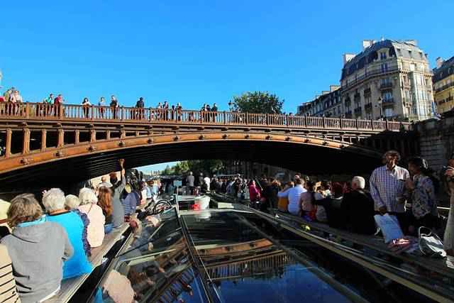 Bateaux Parisiens Seine River Cruise (12)