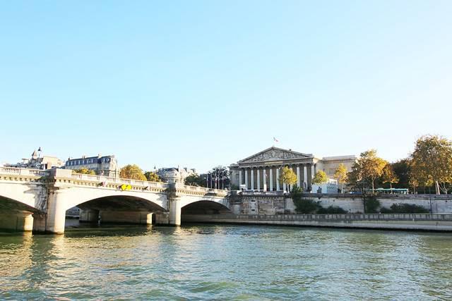 Bateaux Parisiens Seine River Cruise (31)