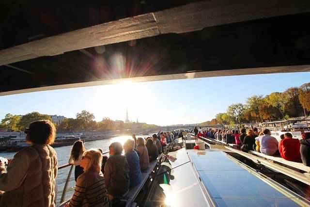 Bateaux Parisiens Seine River Cruise (5)