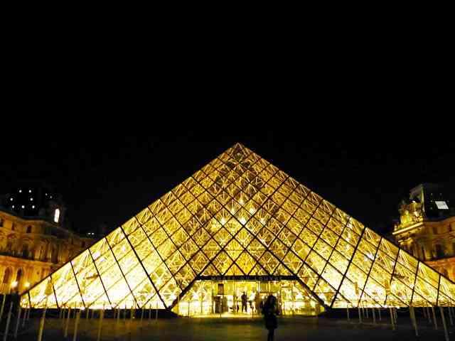 Louvre Museum (19)