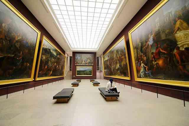 Louvre Museum (25)
