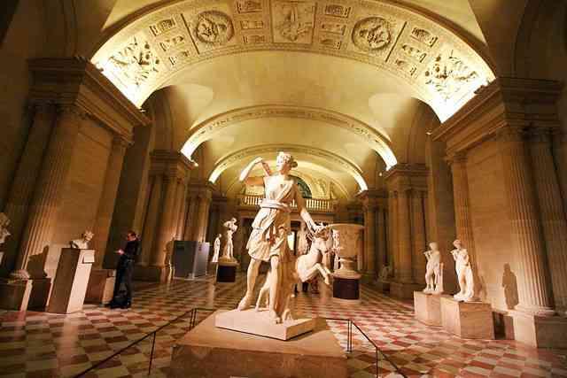 Louvre Museum (31)