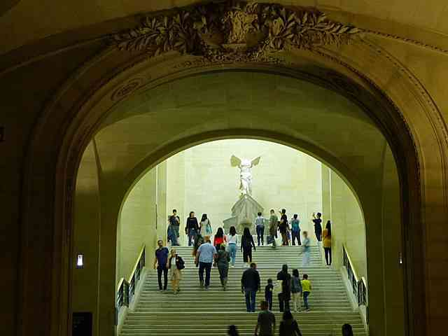 Louvre Museum (40)