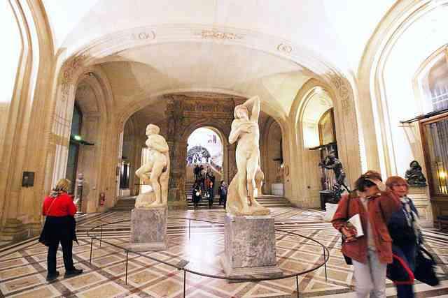 Louvre Museum (43)