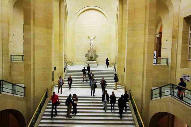 Louvre Museum (50)