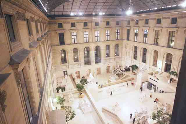 Louvre Museum (62)