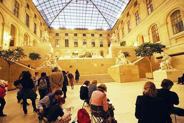 Louvre Museum (74)