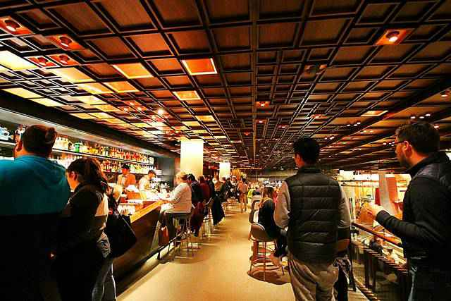 Starbucks Reserve Roastery NYC (18)
