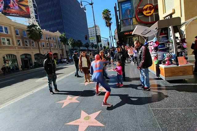 Hollywood (2)