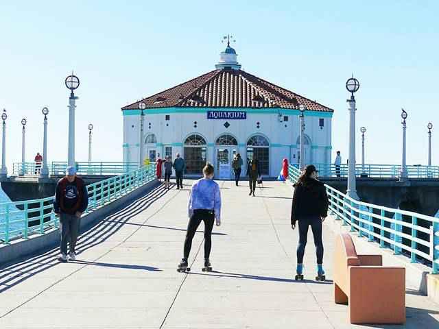 Manhattan Beach (3)