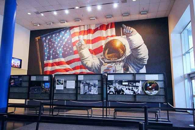 Space Center Houston (1)