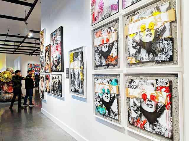 Avant Gallery (2)