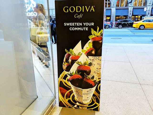 Godiva Café NYC (2)
