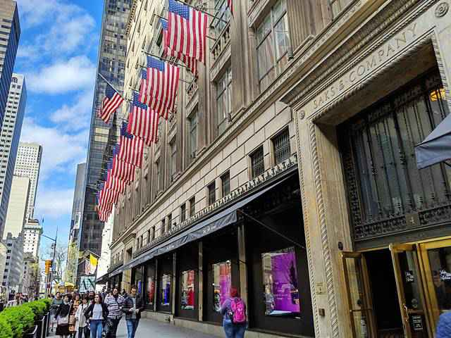 Saks Fifth Avenue NYC (1)