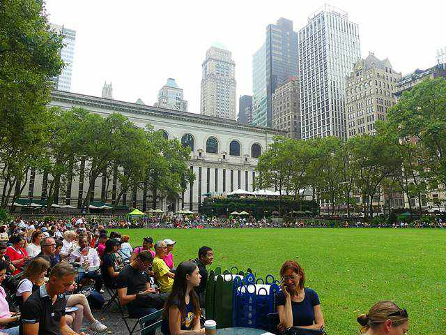 Broadway in Bryant Park (1)