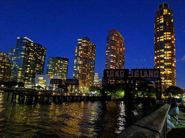 Night View in New York – Queens (2)