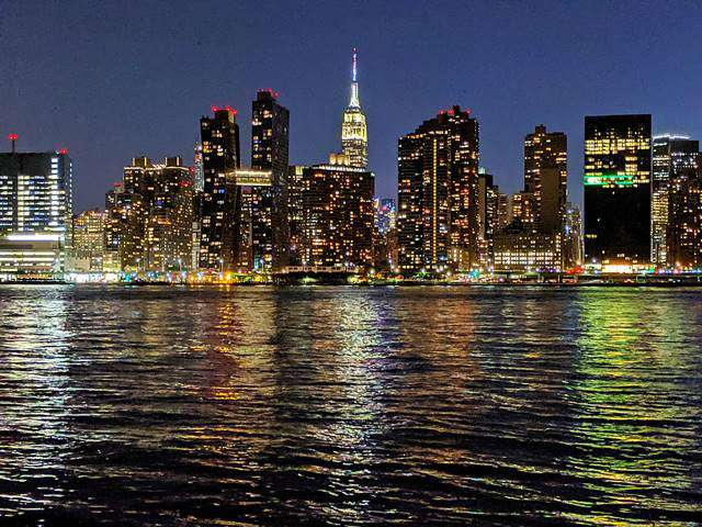 Night View in New York – Queens (3)