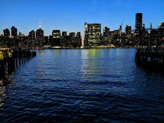 Night View in New York – Queens (7)