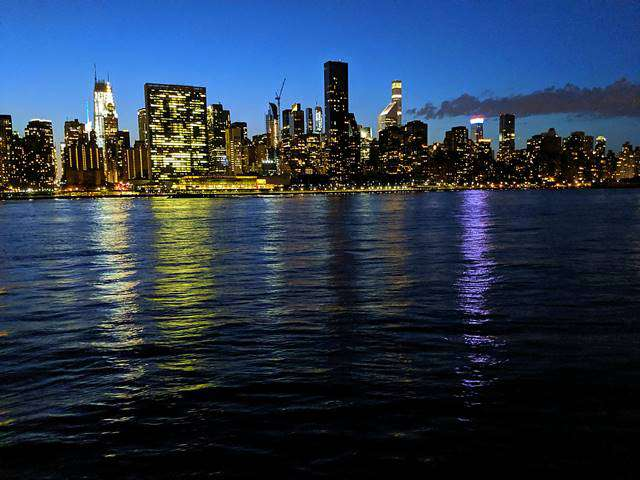 Night View in New York – Queens (9)