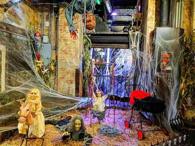 Halloween at Chelsea Market (13)