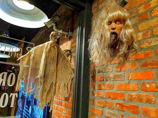 Halloween at Chelsea Market (16)