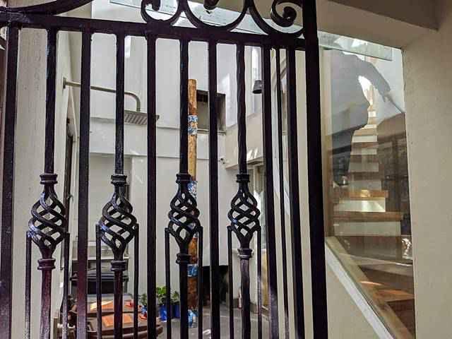 Minetta Lane Residence (3)