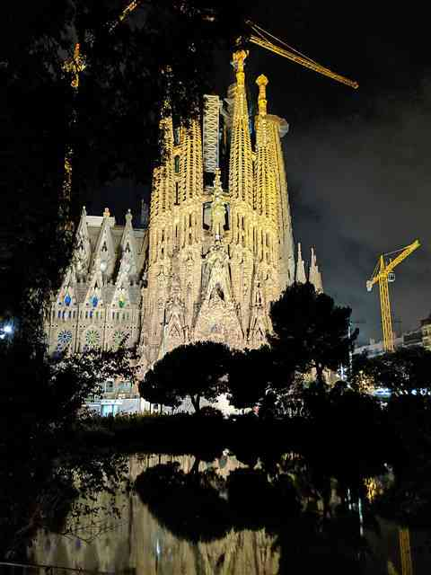 Sagrada Familia Barcelona Spain (6)