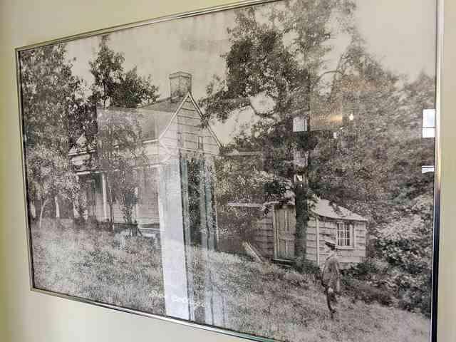 The Edgar Allan Poe Cottage (10)