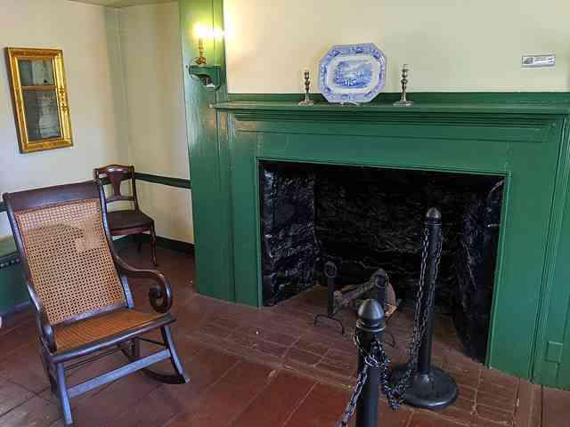 The Edgar Allan Poe Cottage (4)
