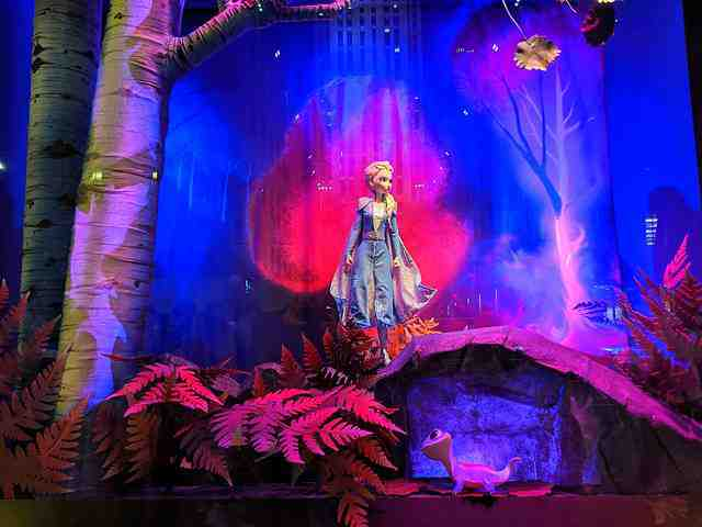 Frozen 2 at Saks Fifth Avenue (11)