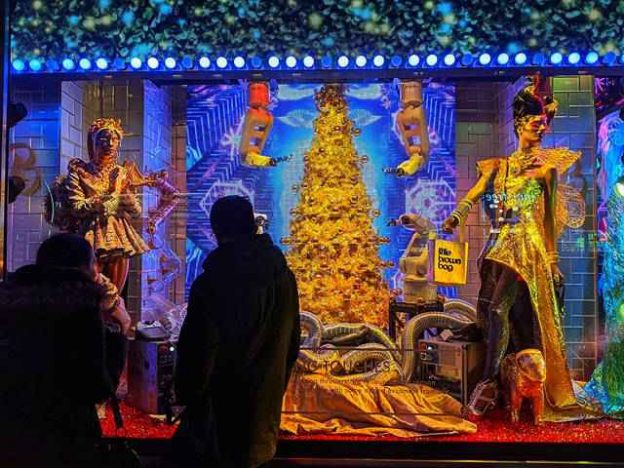 Bloomingdale's Holiday Windows (10)