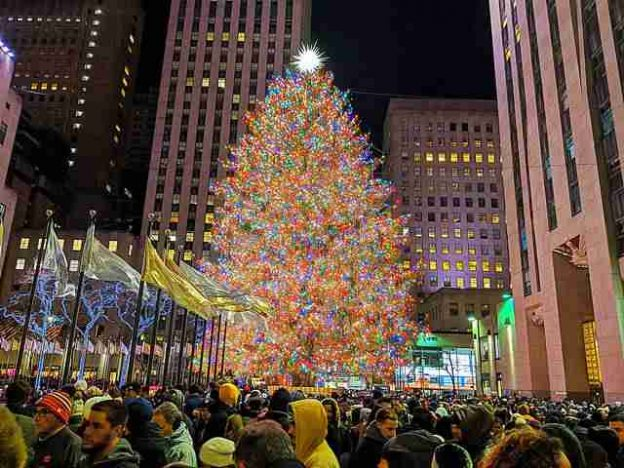 Rockefeller Center Christmas Tree (1)