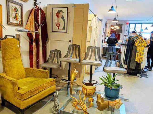 Dobbin Street Vintage Co-op Brooklyn NY (4)