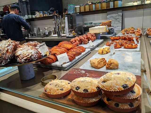Mah-Ze-Dahr Bakery NY (3)