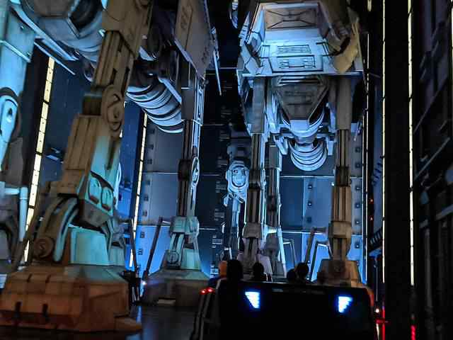 Star Wars Rise of the Resistance (7)