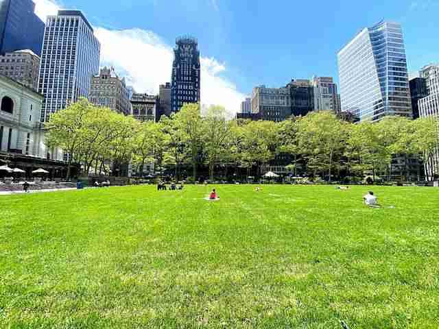 Bryant Park NY (1)