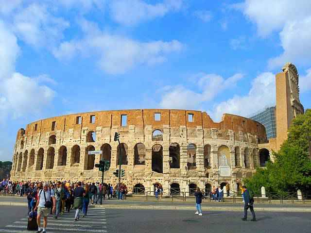 Colosseum Rome Italy (1)
