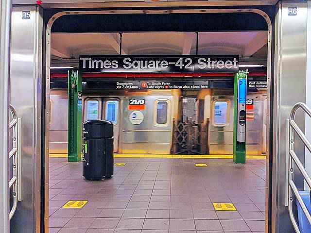 Metro NYC Subway (1)