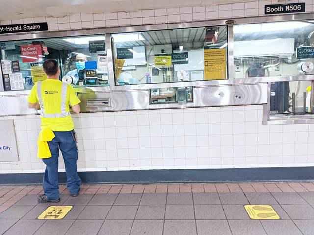 Metro NYC Subway Social Distance (2)